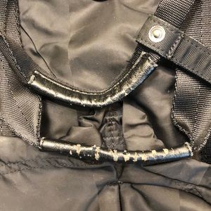lululemon athletica Bags - Lululemon black cross body tote sz o/s 62936